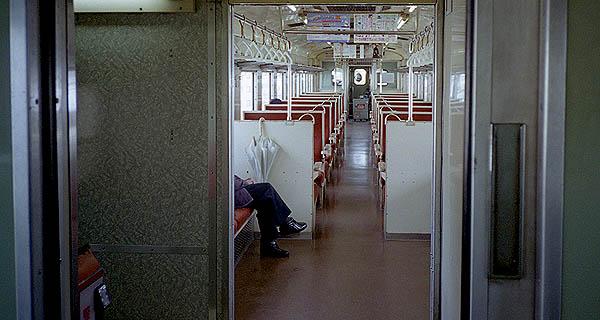 客室-27